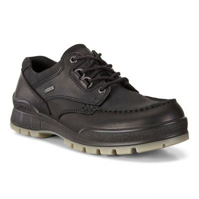 ECCO Track 25 Low Shoes in Black Pull Up